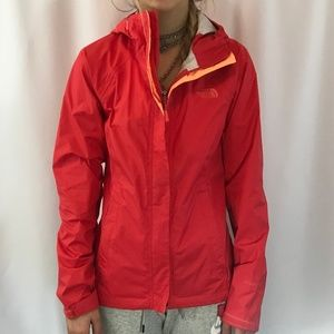 The North Face Rain Coat in Red - XS